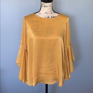 BOBEAU gold bell sleeve blouse Medium